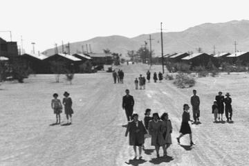 manzanar sign entrance